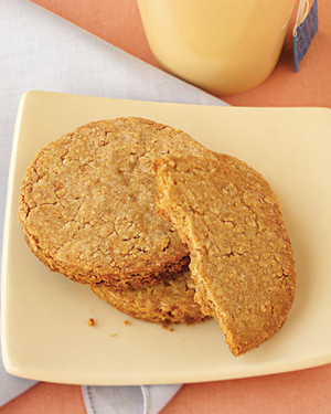 Wholemeal-Almond Biscuits