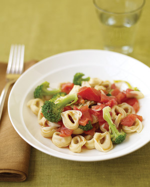 Cheese Tortellini with Broccoli, Tomatoes, and Garlic