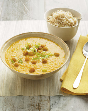 Mulligatawny with Chickpeas