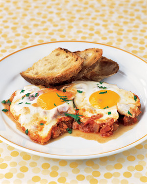 Skillet Eggs and Tomato Sauce