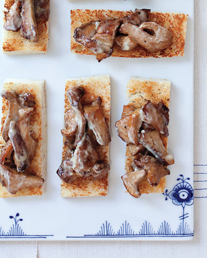 Chanterelle Toasts