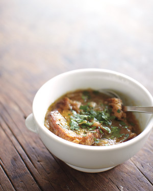 Caramelized Onion Soup with Onions to Spare
