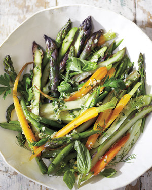 Steamed Vegetable Salad with Macadamia Dressing