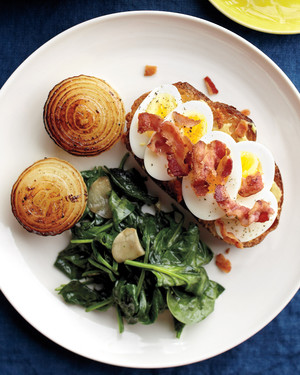 Egg-Bacon Toasts with Onions and Spinach
