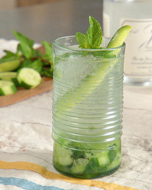 mh_1129_cucumber_mint_gin_and_tonic.jpg