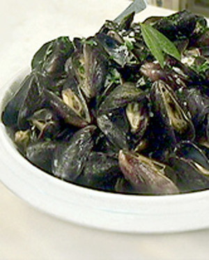 Mussels with White Wine and Herbs