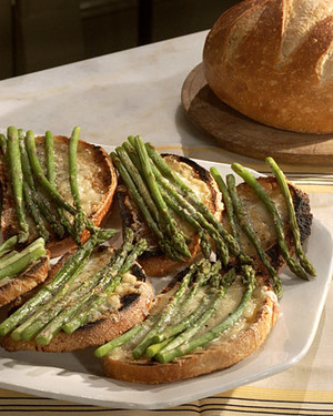 Bruschetta with Fontina and Asparagus