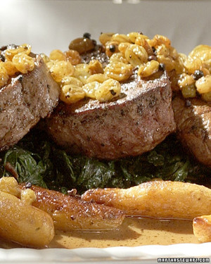 Filet of Beef with Raisin and Pepper Sauce