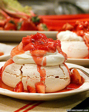 Nicole's Rhubarb-Strawberry Pavlova