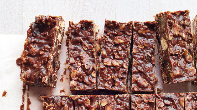No-Bake Chocolate-Almond Oat Bars