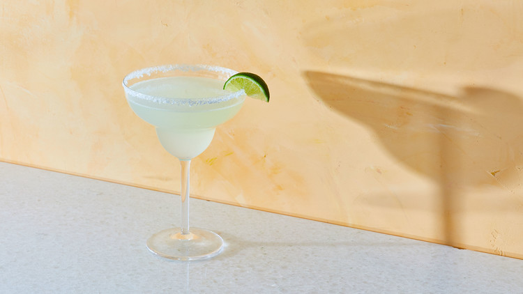 margarita with lime and salt on rim