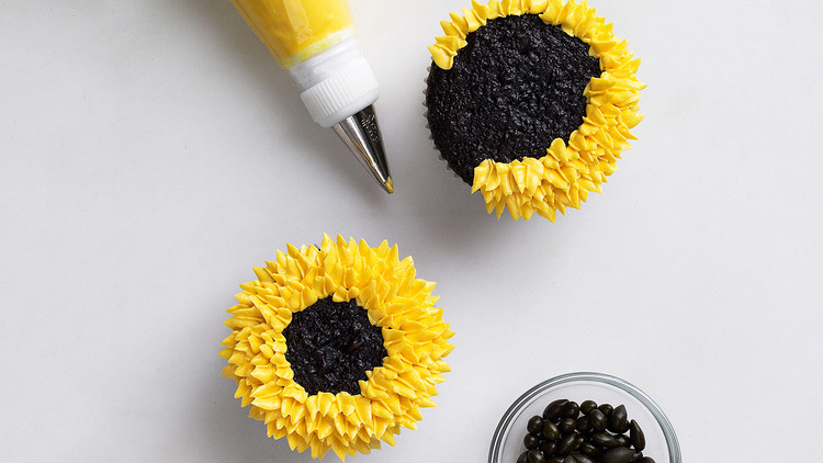 Sunflower cupcakes