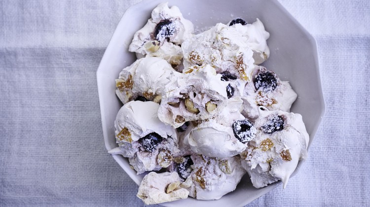 chewy fruitcake meringues