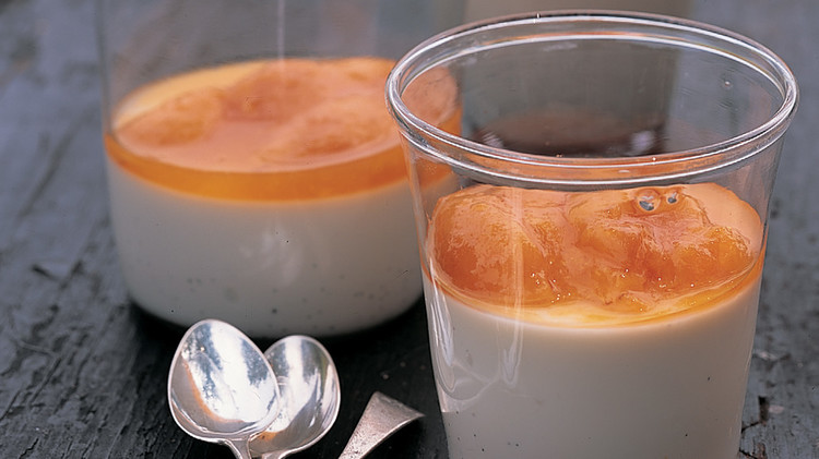 Vanilla Panna Cotta with Poached Apricots