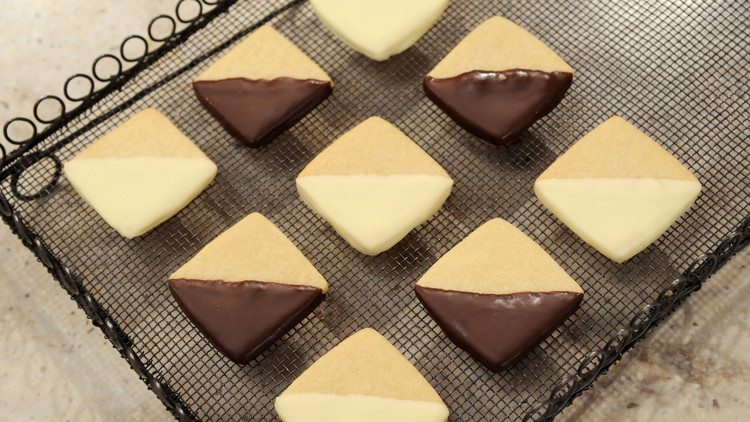 checkerboard-cookies-mslb7097.jpg