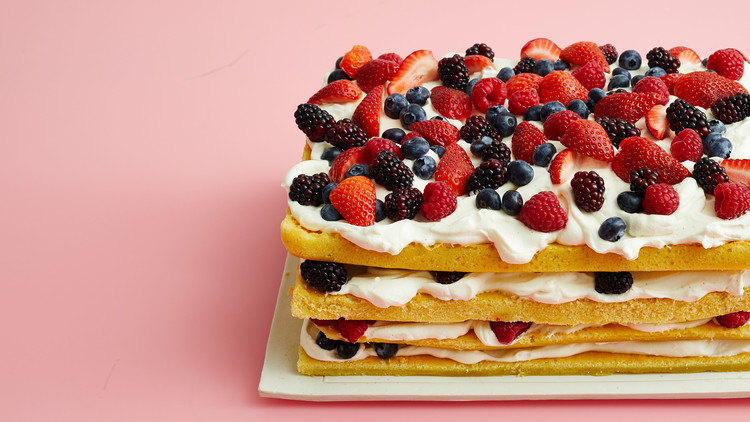 mothers day berry cake