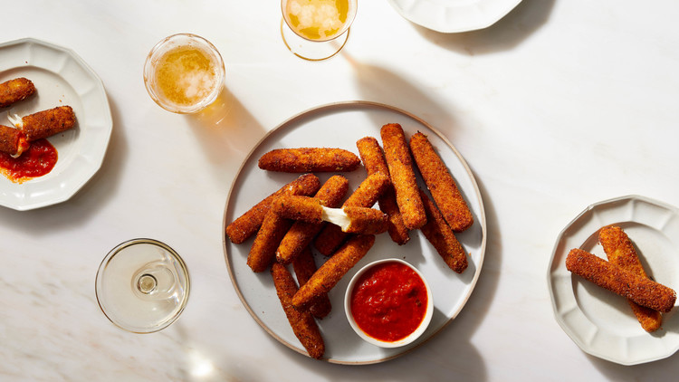 plate of mozzarella sticks