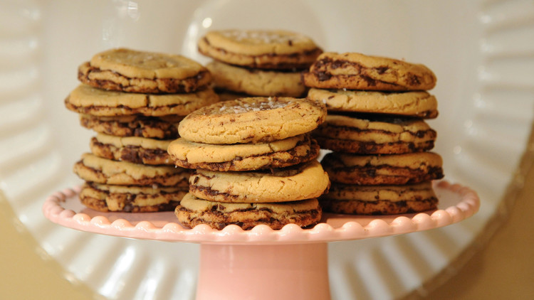 chocolate-chip-cookies-mslb7130.jpg
