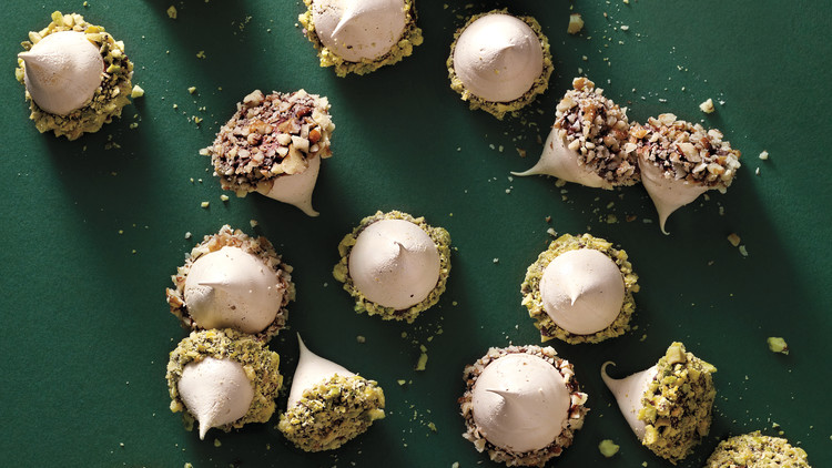 Coffee-Meringue Acorns
