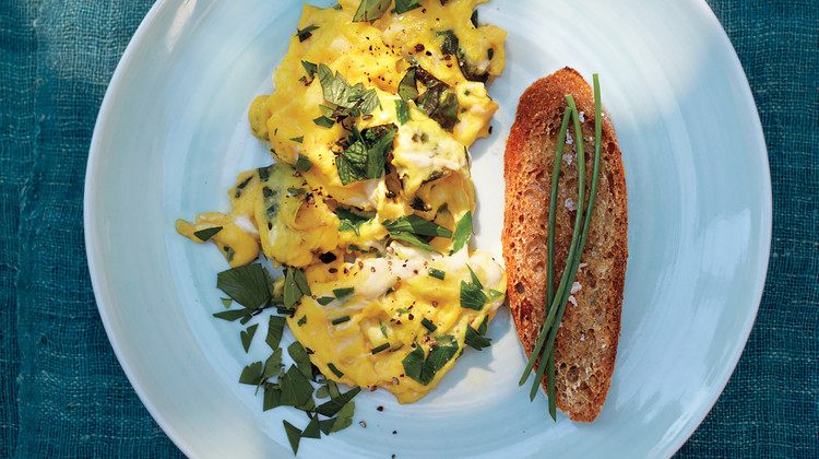 Scrambled Eggs with Mixed Herbs
