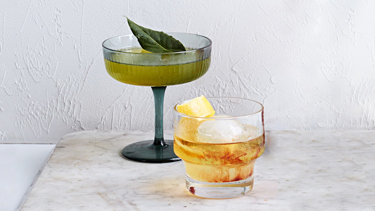 pernod bourbon spritz cocktail