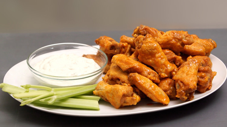 kitchen-conundrums-chicken-wings-1214.jpg