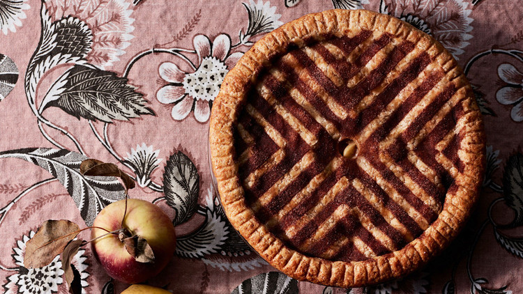 decorative cinnamon sugar stencil double crust apple pie