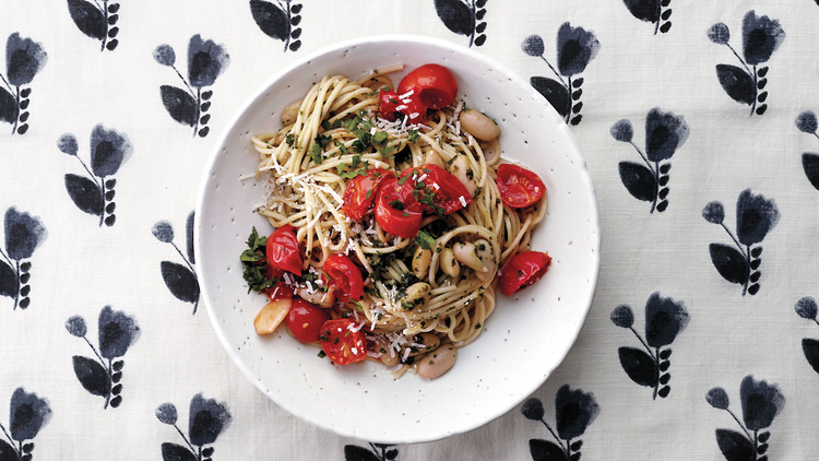 Herbed Spaghetti with Tomatoes and White Beans