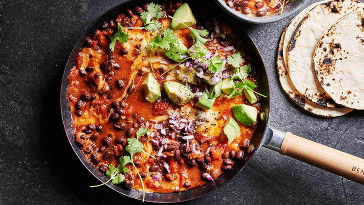 weeknight vegetarian chili served with tortillas