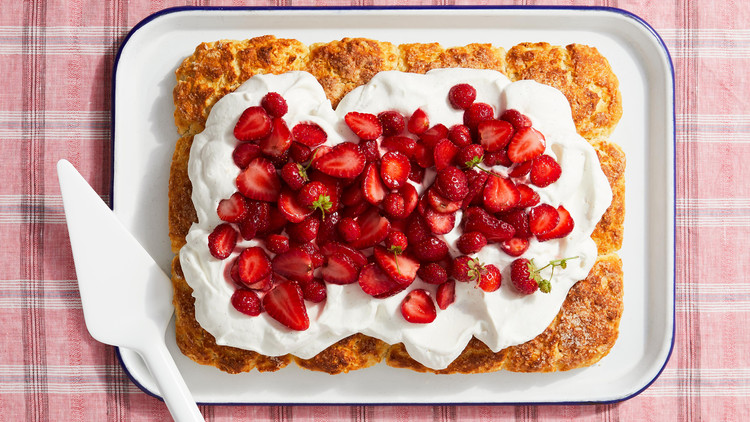 strawberry biscuit sheet cake