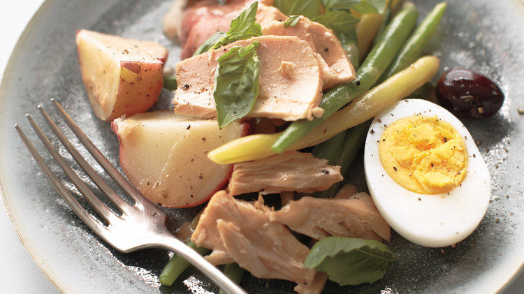 String Bean, Olive, and Flaked-Tuna Salad