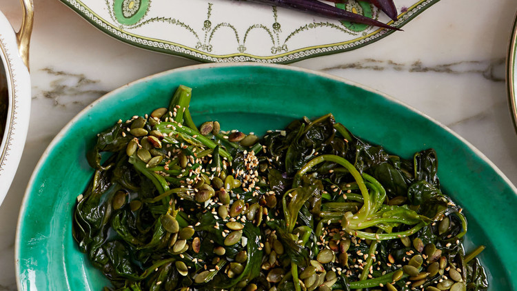 Sauteed Spinach with Pepitas and Sesame Seeds
