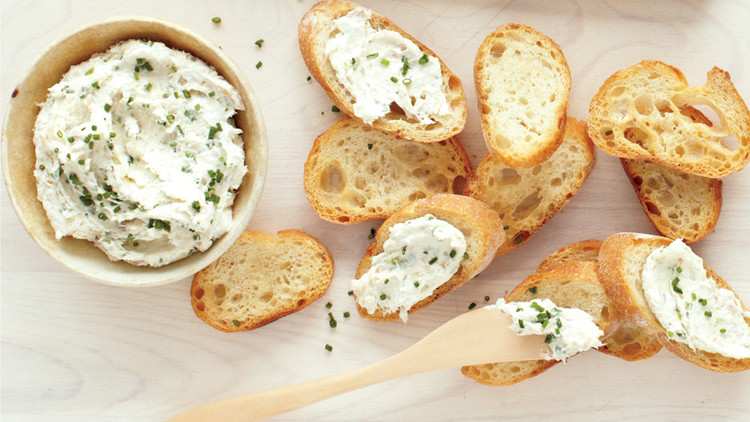 smoked trout pate toasted baguettes