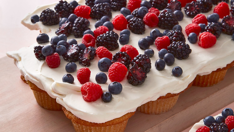 Pull-Apart Vanilla-Wafer Cupcake Cake with Berries