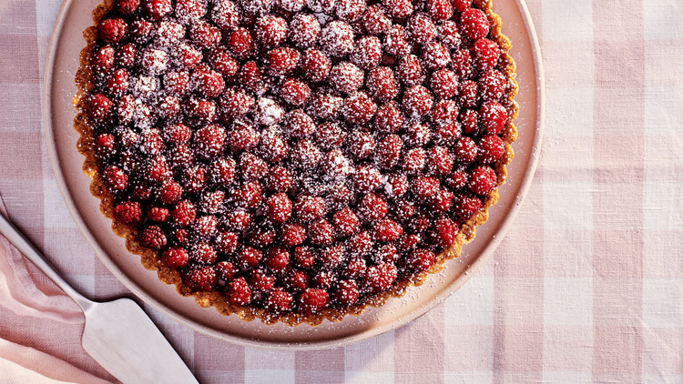 chocolate-mousse tart with fresh berries