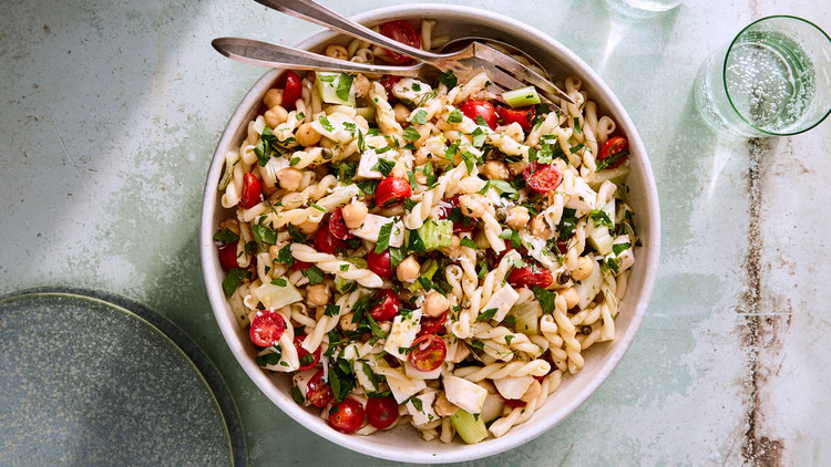 Pasta Salad with Tomatoes, Mozzarella, and Chickpeas