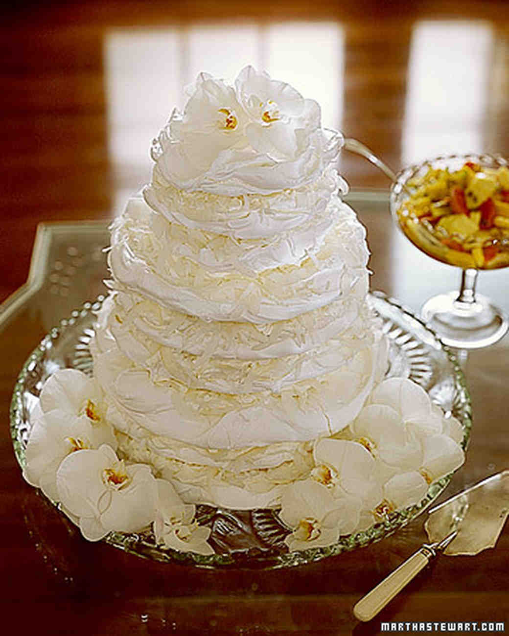 Meringue Cakes: Tropical Coconut Pavlova