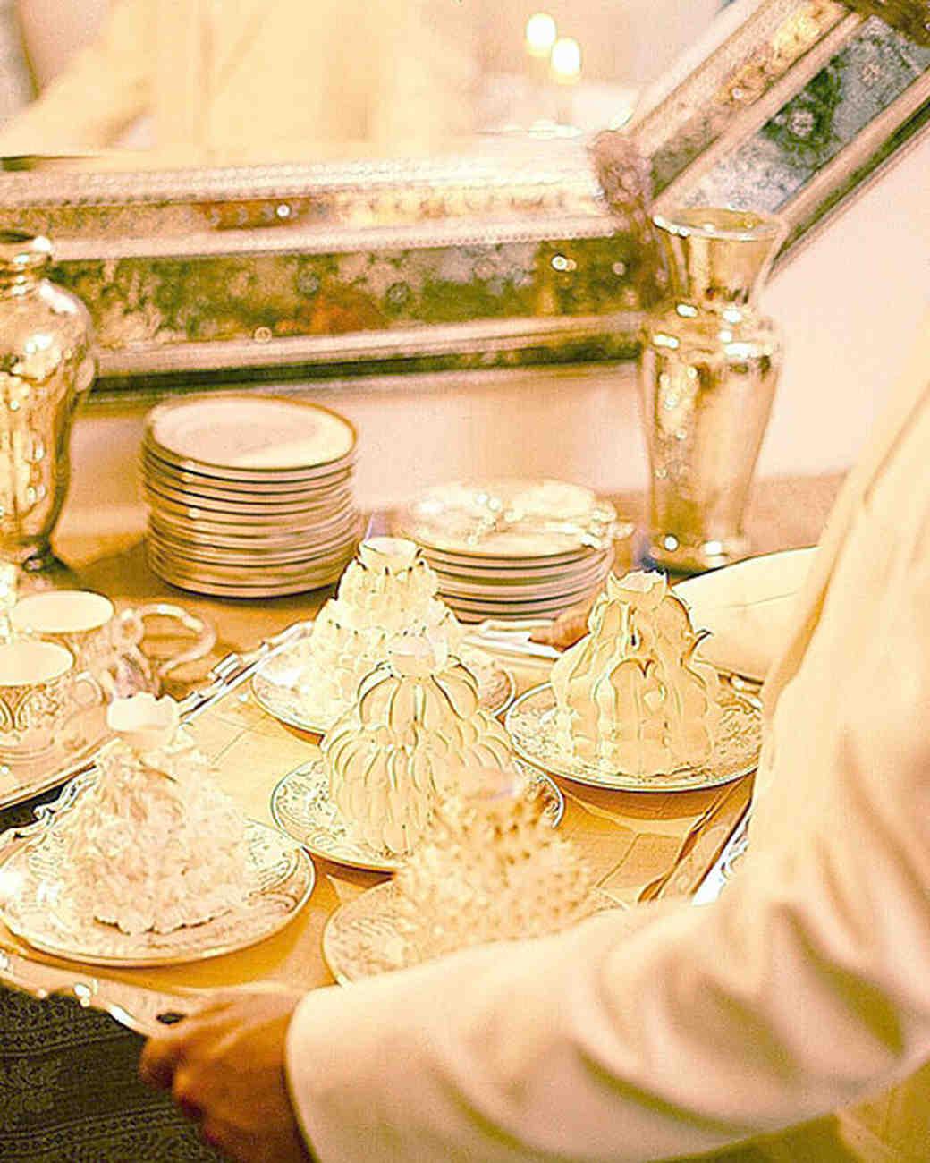 Meringue Cakes: Individual Baked Alaskas