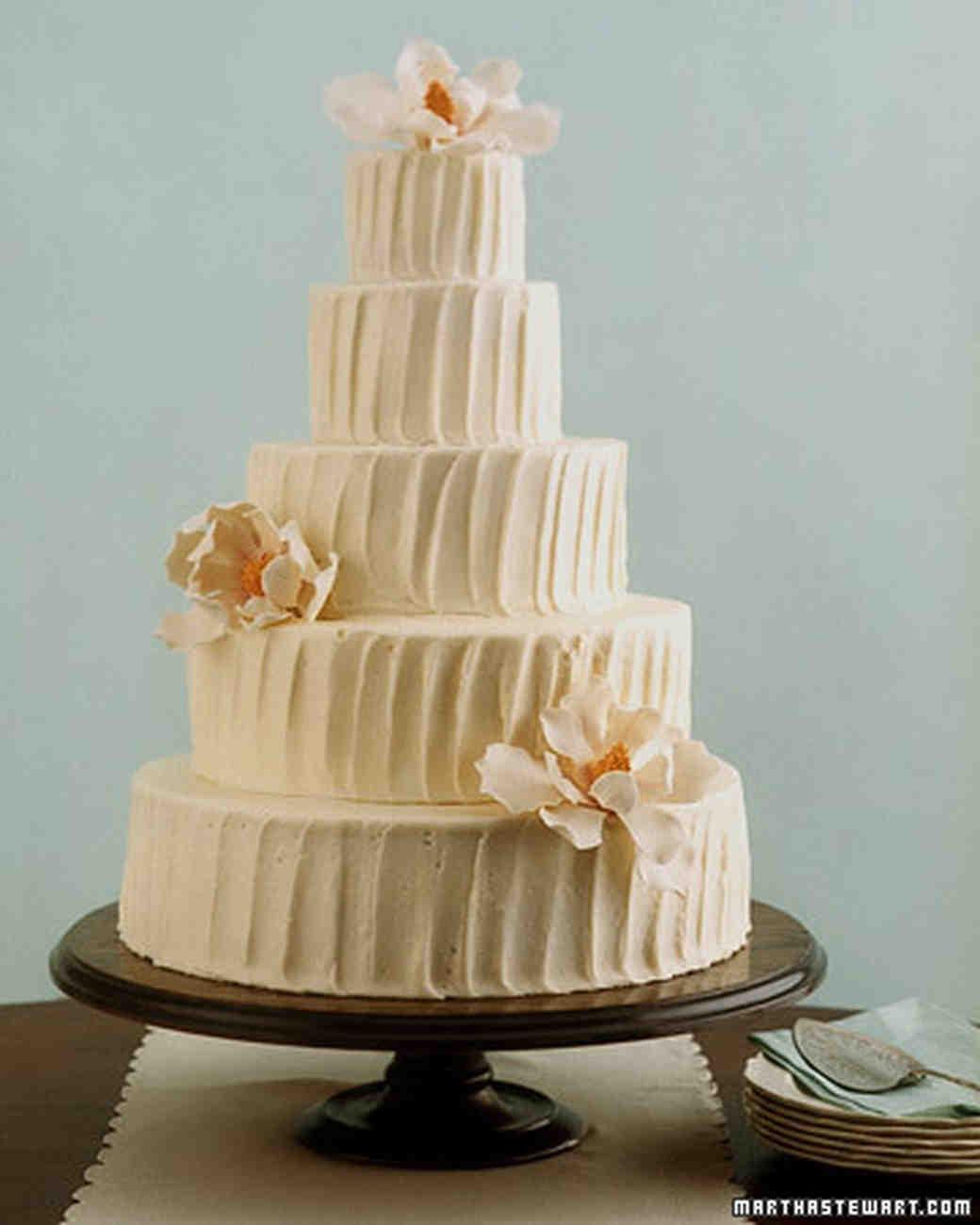 Old-Time Favorites: Red Velvet Wedding Cake