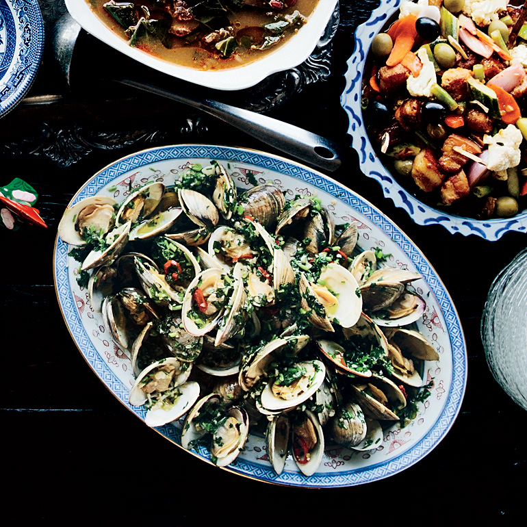 Littleneck Clams Steamed in Vinho Verde