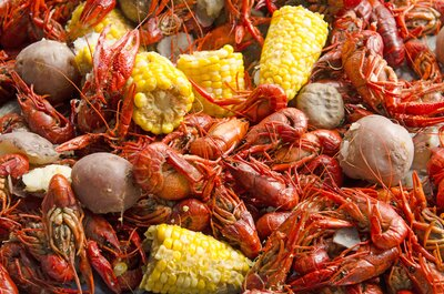 What to Do—and What Not to Do—at Your First Crawfish Boil | Food & Wine