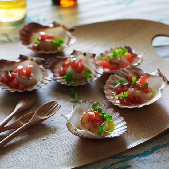 201106-r-scallops-with-dressing.jpg