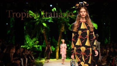 70bf617f80 Dolce & Gabbana Spring 2017 Pizza Dress