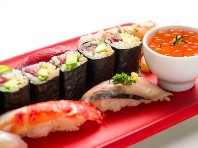 The Right Way To Roll Sushi According To Chef Nobu Food