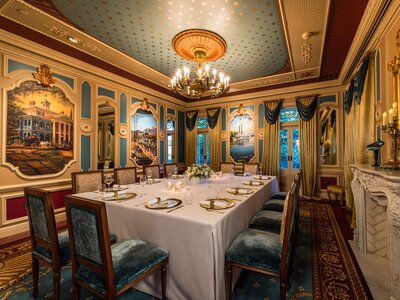 Disneyland S 15 000 Private Dining Experience Is Insane And