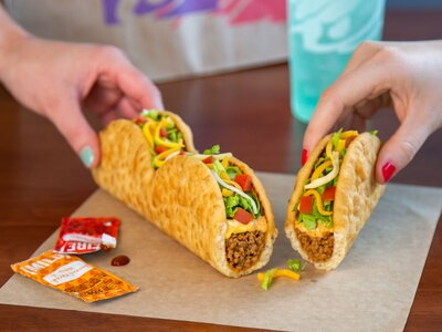 Taco Bell Christmas Eve.Taco Bell Tests Tear Apart Triplelupa Food Wine