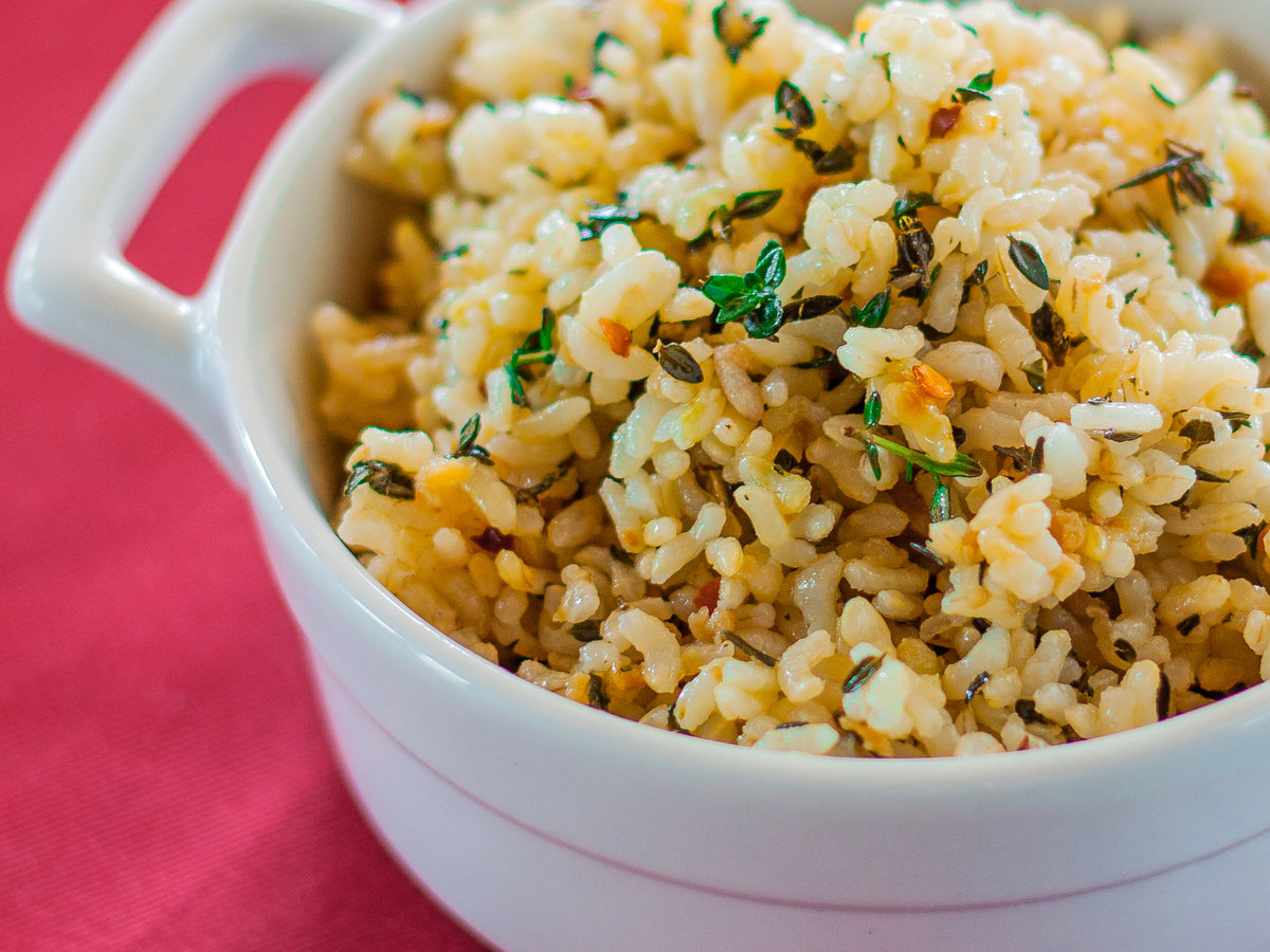 Lemon Brown Rice with Garlic and Thyme Recipe - Emily Farris ...