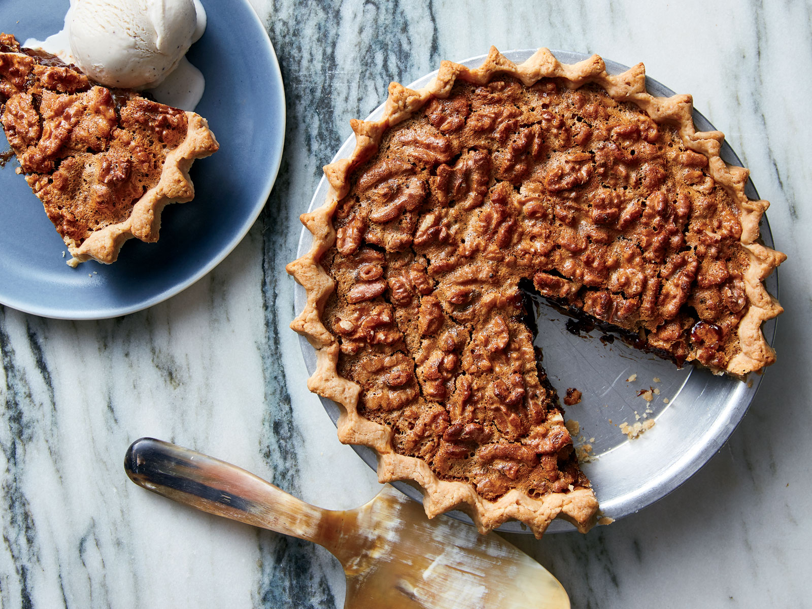 Black-Bottom Walnut Pie