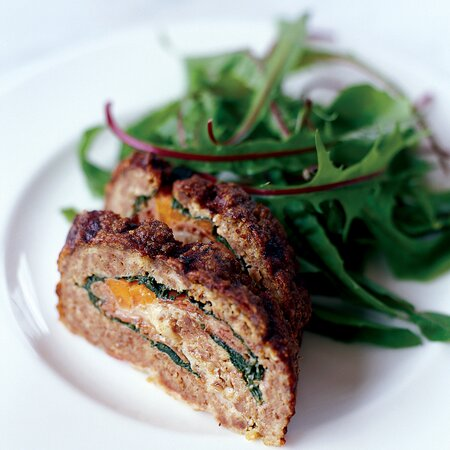 Christmas Meatloaf.Meat Loaf Stuffed With Prosciutto And Spinach