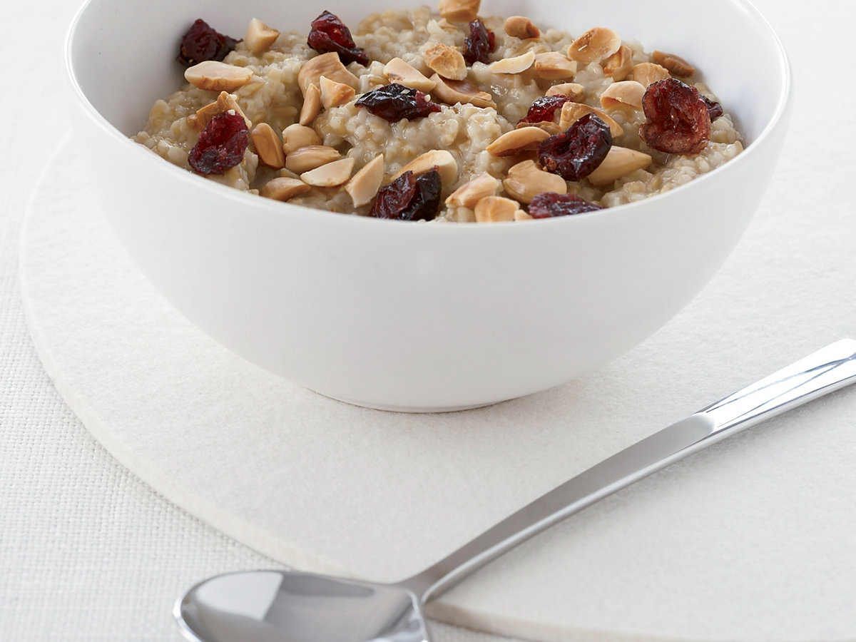 200812-r-oatmeal-almonds.jpg